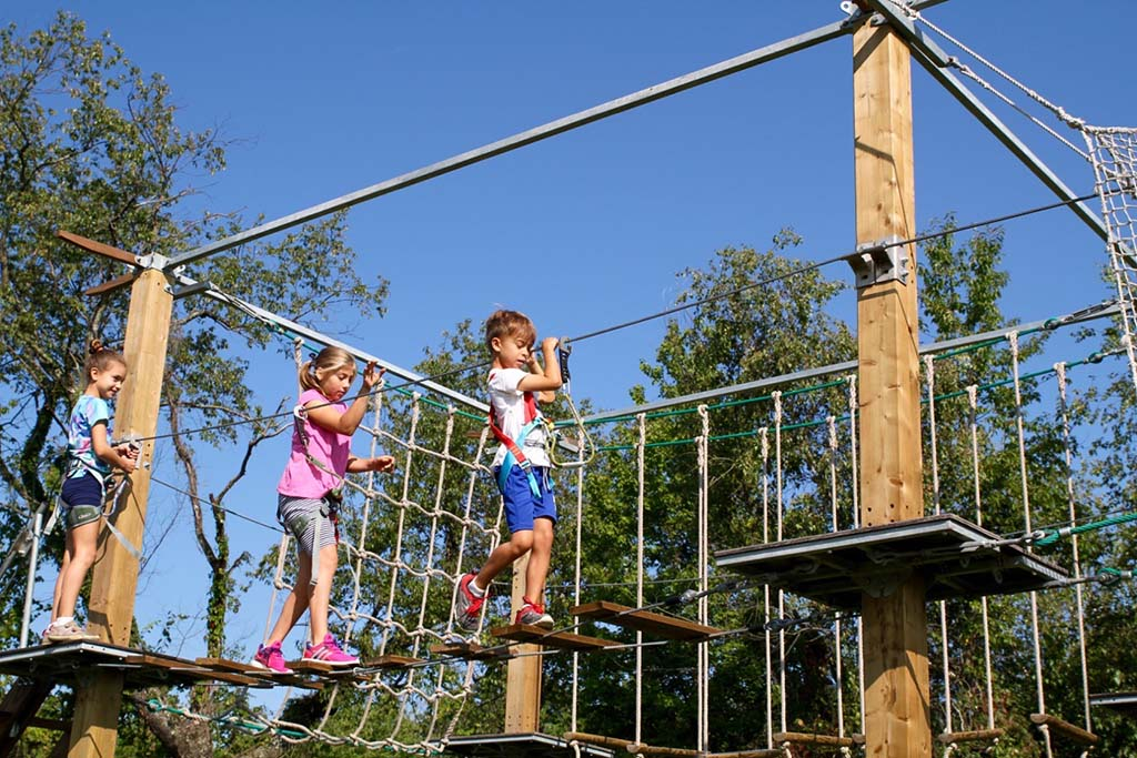 kids-on-ropes-course