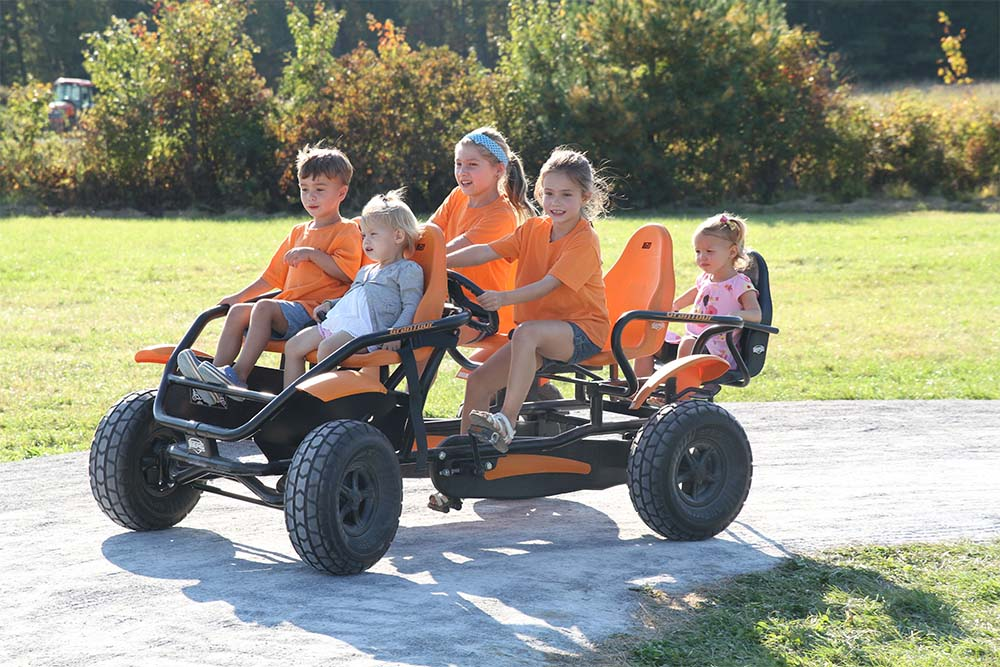 5 kids in pedal cart